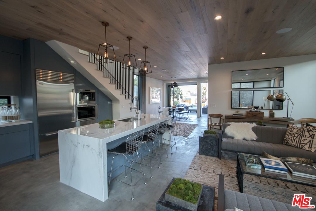 911  Milwood Avenue Venice, CA 90291