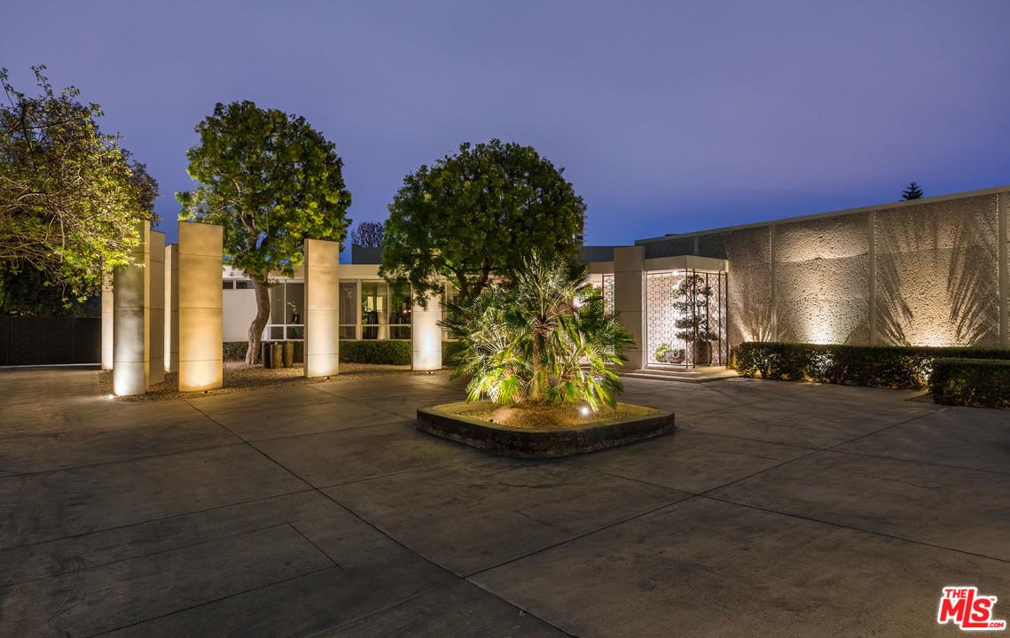North HILLCREST Road, Beverly Hills, California