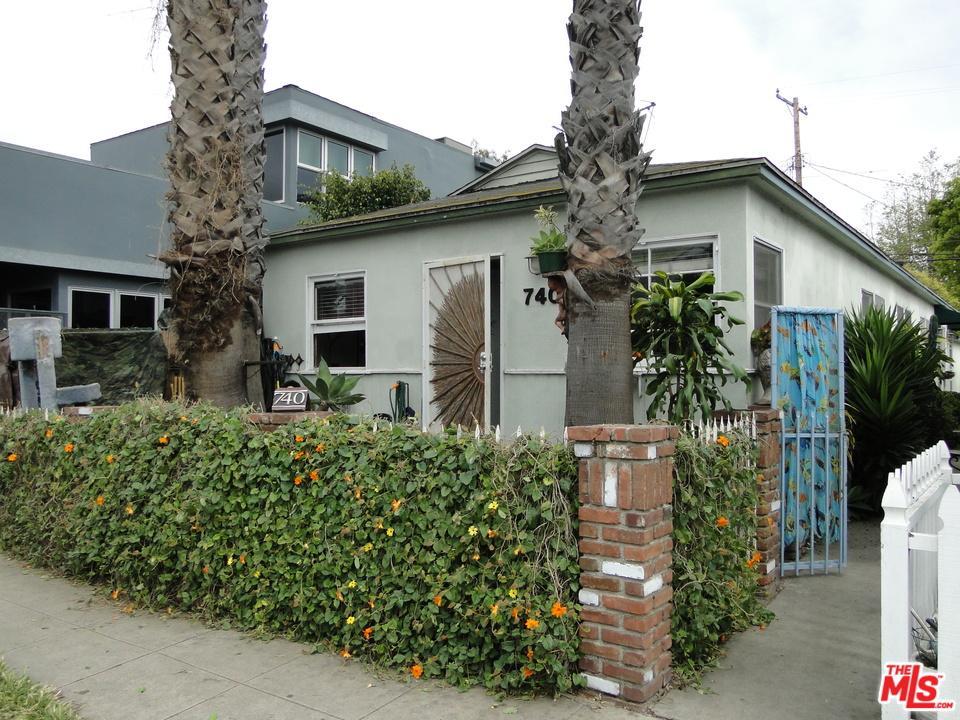 740  Washington Venice, CA 90292