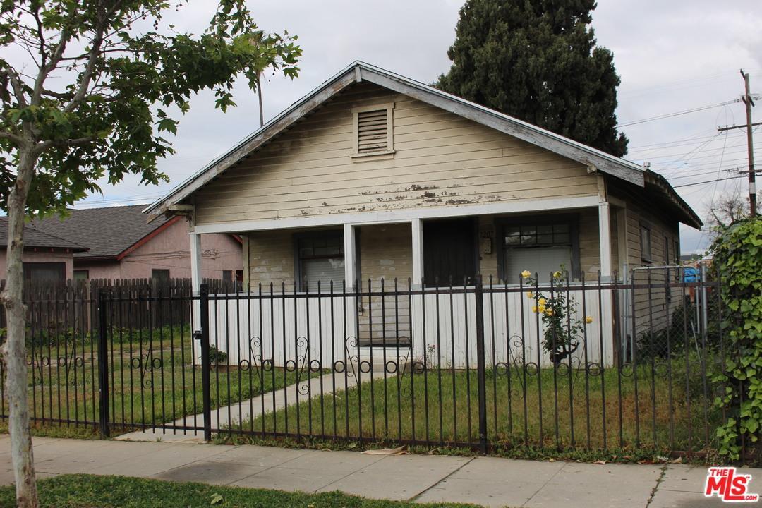 1207 North COMMONWEALTH Avenue, Silver Lake Los Angeles, California