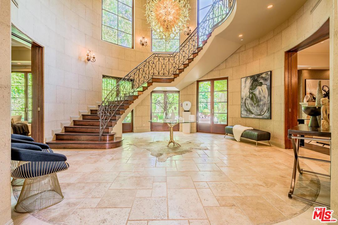 9901 KIP Drive, Beverly Hills in Los Angeles County, CA 90210 Home for Sale
