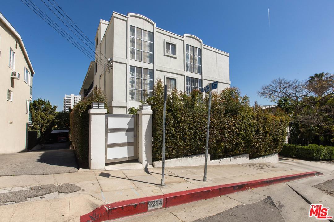 1214 North Clark Street West Hollywood, CA 90069