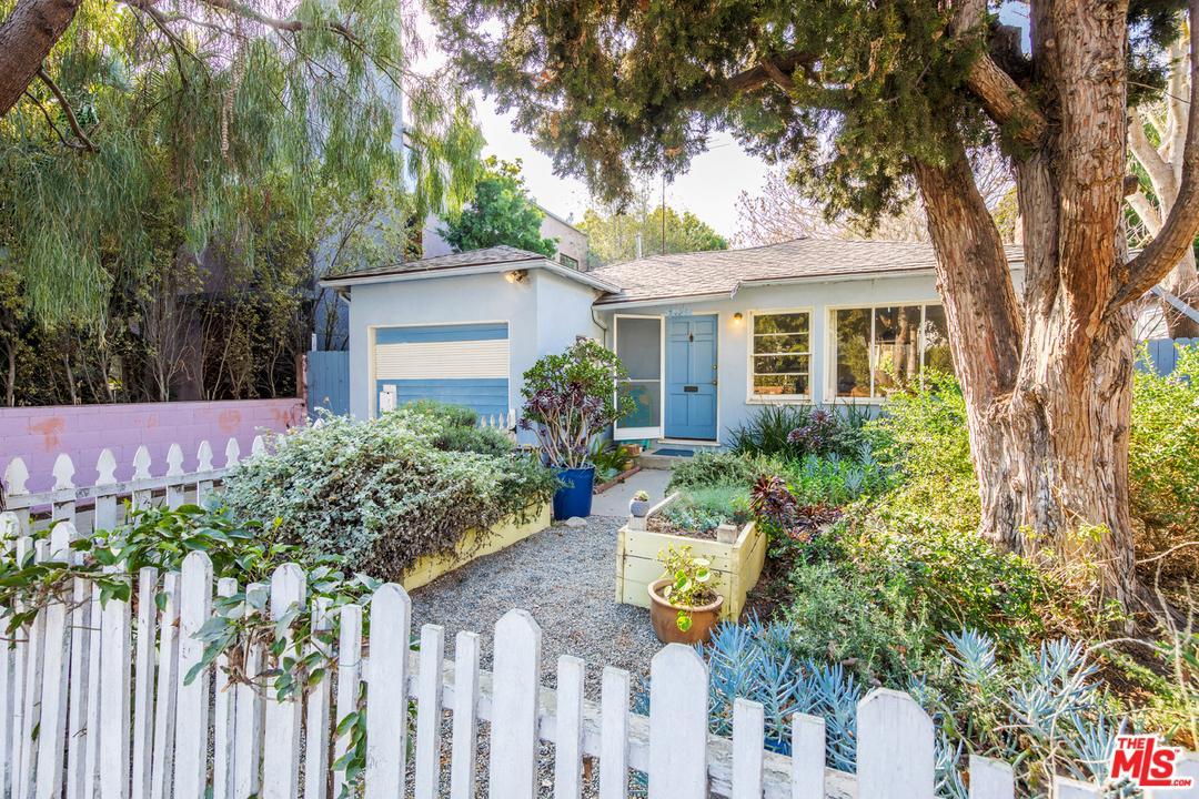 2425  Wilson Avenue Venice, CA 90291