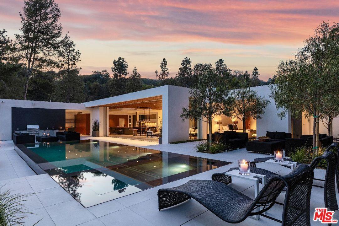 1120 LOMA VISTA Drive, Beverly Hills, California