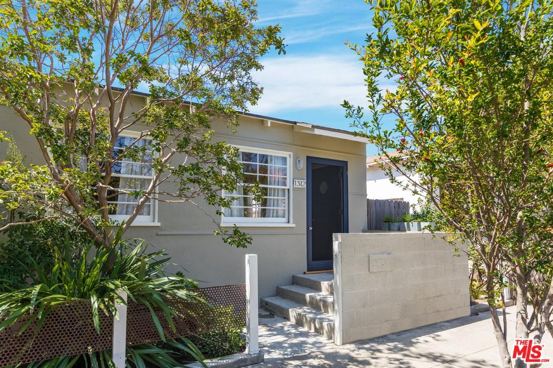 1312  Cabrillo Avenue Venice, CA 90291