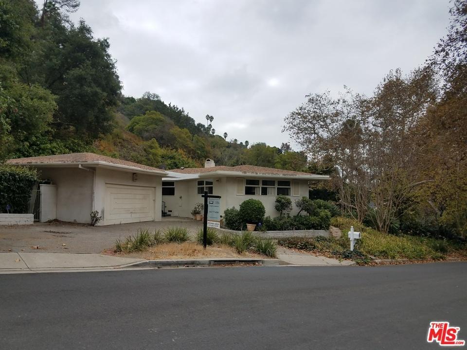 10891  CHALON Road, Bel Air, California