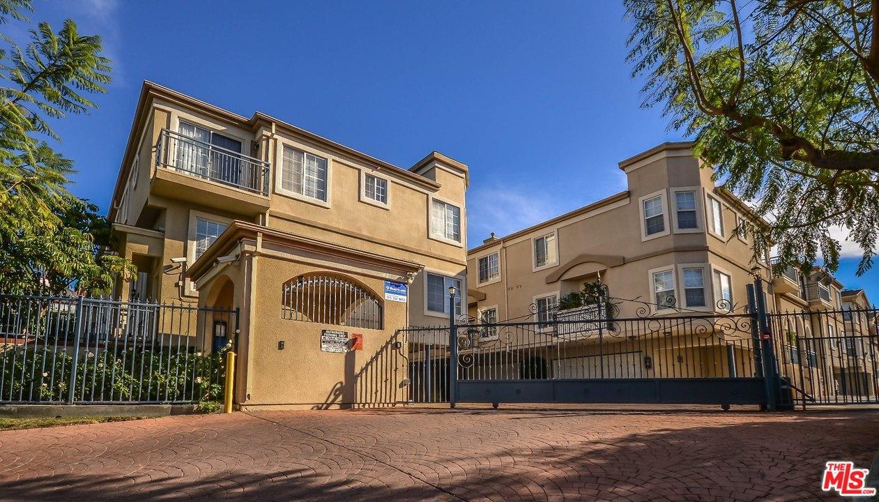 4516  RAMSDELL Avenue 120, La Crescenta, California