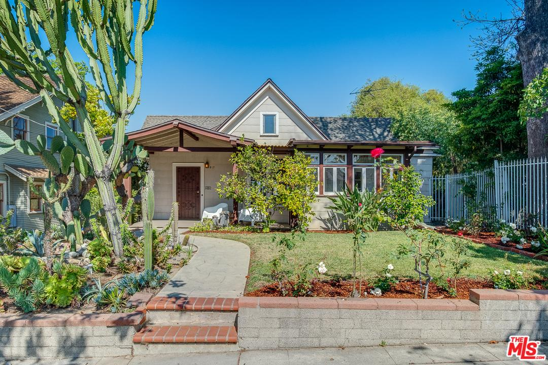 One of Silver Lake Los Angeles 4 Bedroom Homes for Sale at 817  CORONADO Terrace