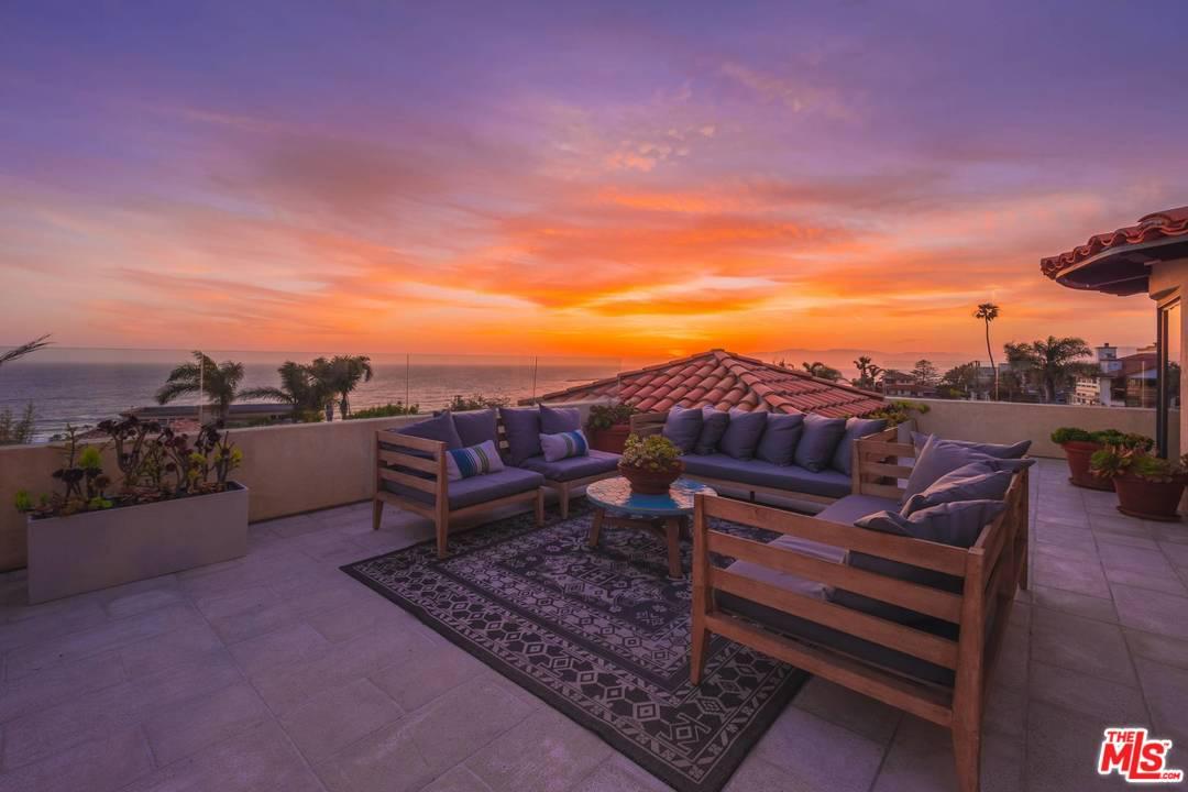 7112  Rindge Avenue Playa Del Rey, CA 90293