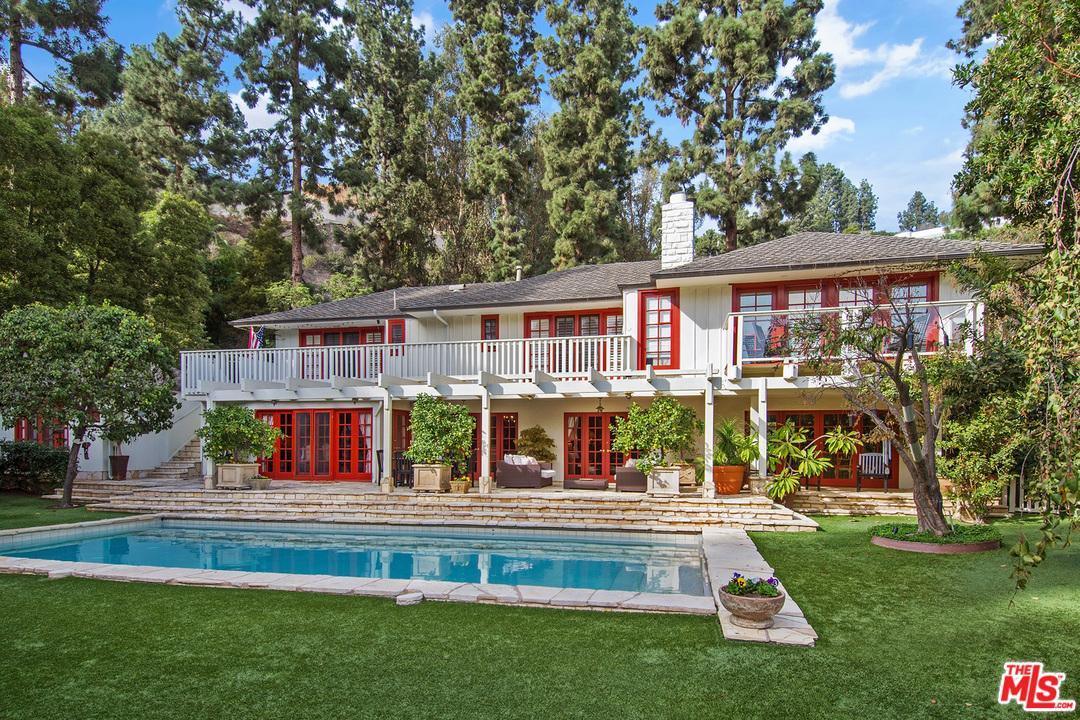 1235  LAGO VISTA Drive, Beverly Hills, California