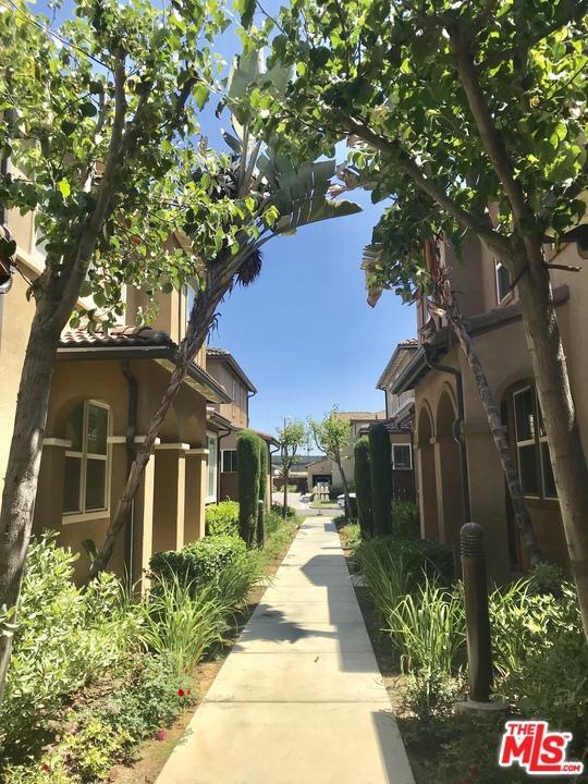 3633 West Medici Lane Inglewood, CA 90305