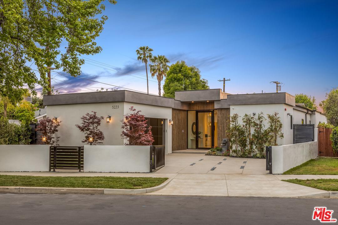 5223  Sunnyslope Avenue Sherman Oaks, CA 91401