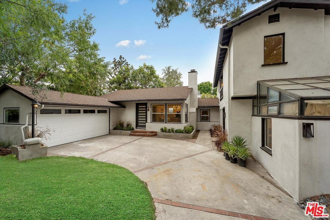 4739  Beck Avenue Valley Village, CA 91602