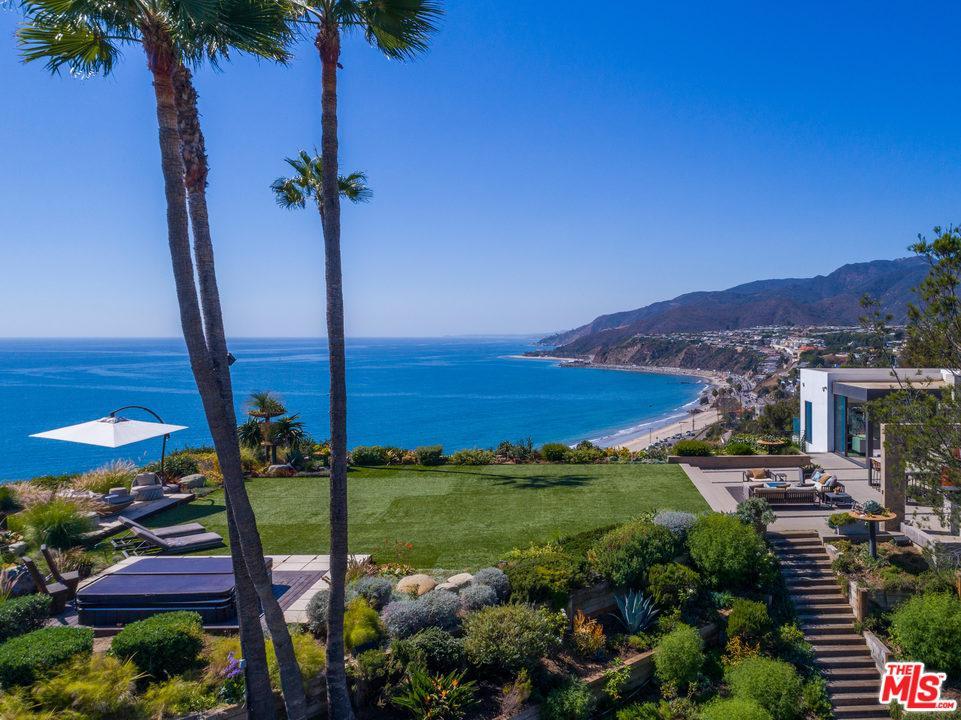17480  Revello Drive Pacific Palisades, CA 90272