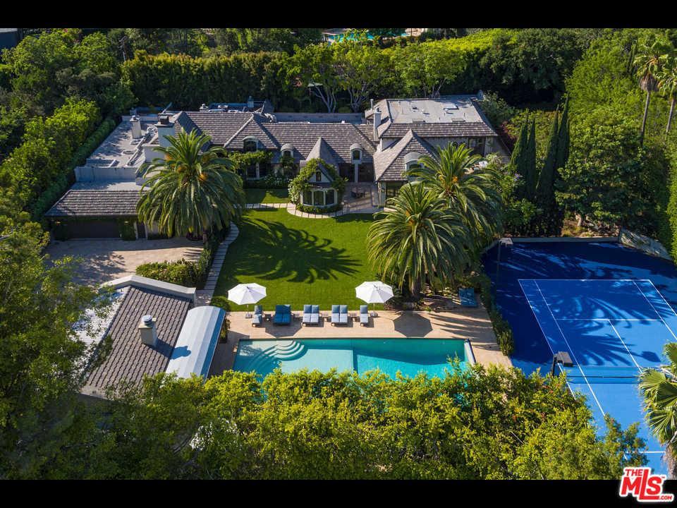 9425  SUNSET, Beverly Hills, California