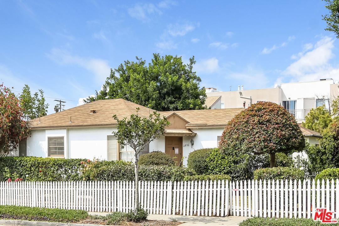 2836 Arizona Avenue Santa Monica, CA 90404