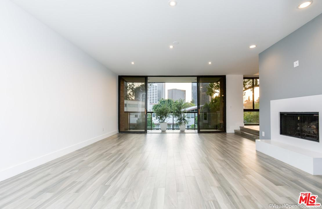 268 South LASKY Drive 204, Beverly Hills, California
