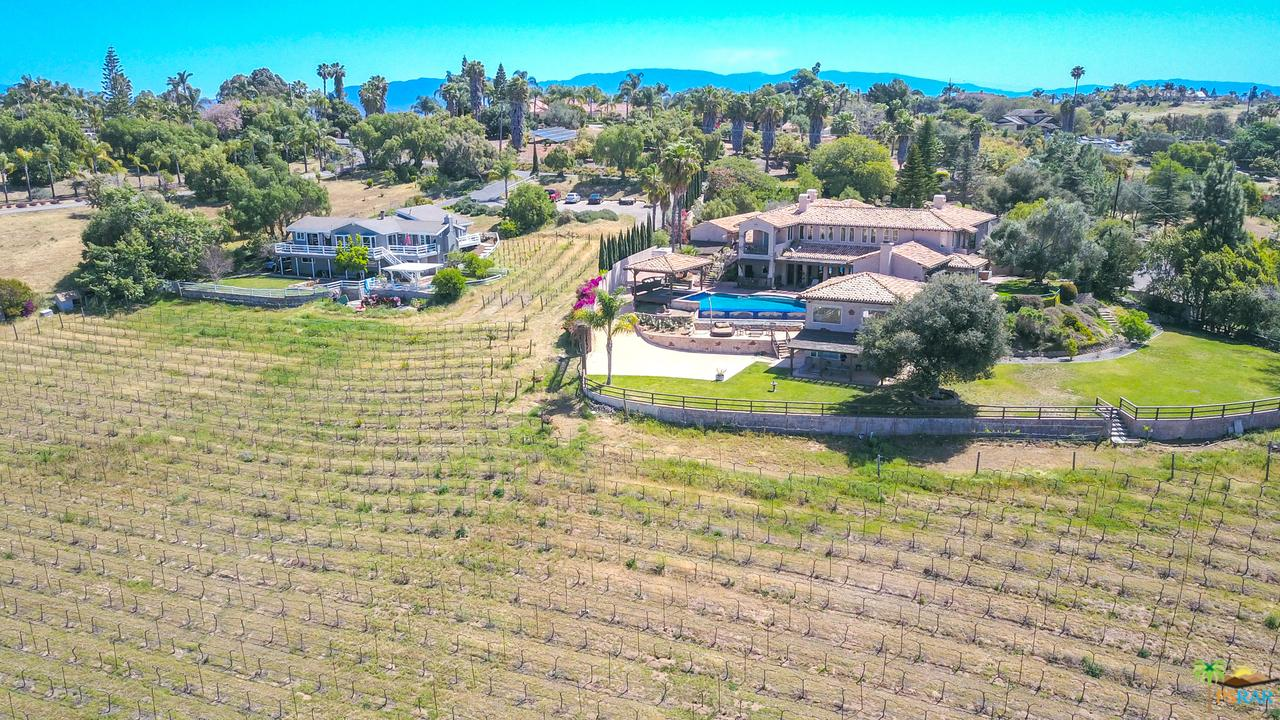 4567 Sleeping Indian Road Fallbrook, CA 92028
