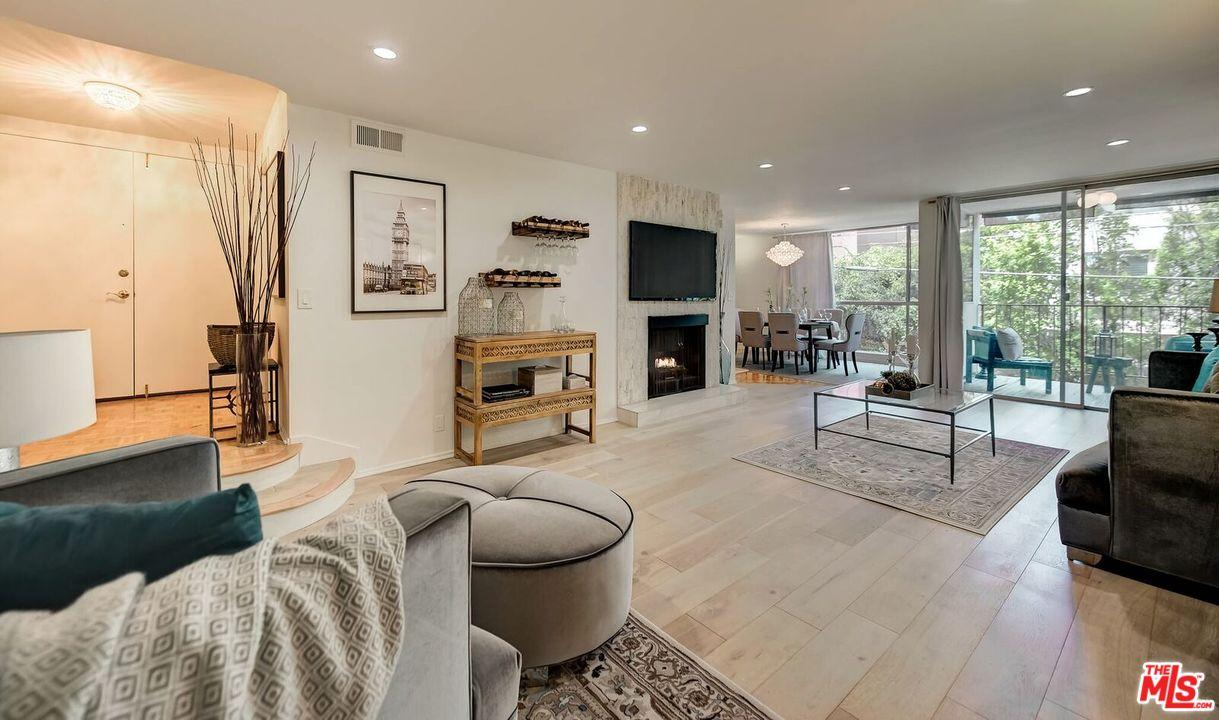 Condominium, Contemporary - Beverly Hills, CA (photo 1)