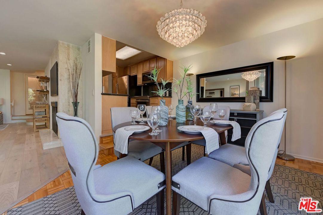 Condominium, Contemporary - Beverly Hills, CA (photo 5)