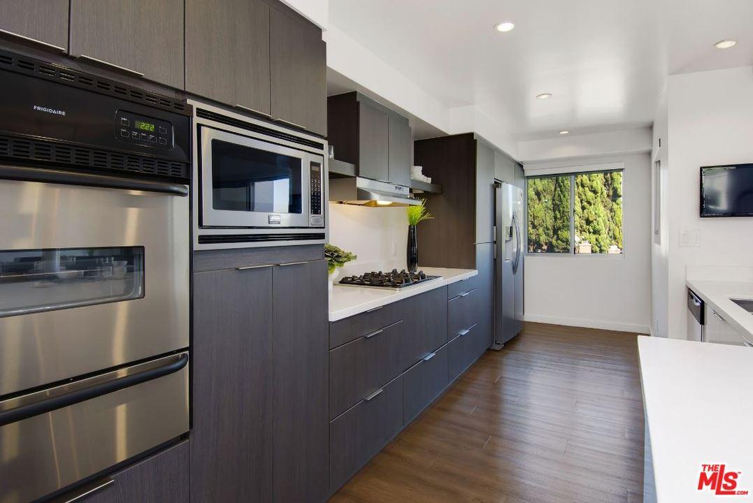 Condominium, Low Rise,Modern - Beverly Hills, CA (photo 4)