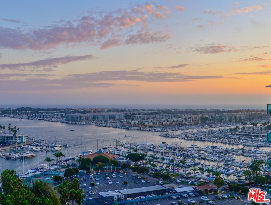 13600 Marina Pointe Drive 1901 Marina Del Rey, CA 90292