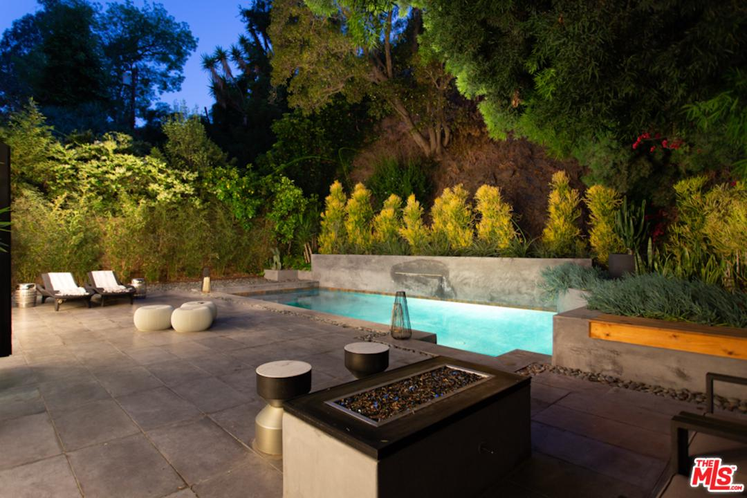 1465 BENEDICT CANYON Drive, Beverly Hills, California