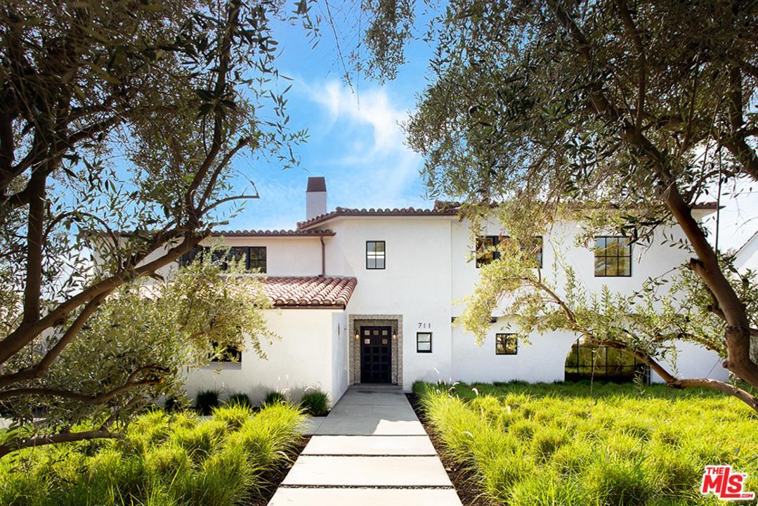711 WALDEN Drive, Beverly Hills, California