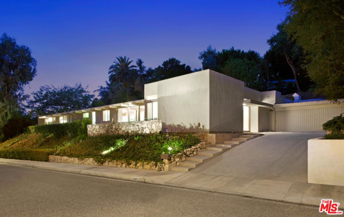 1027 COVE Way, Beverly Hills, California