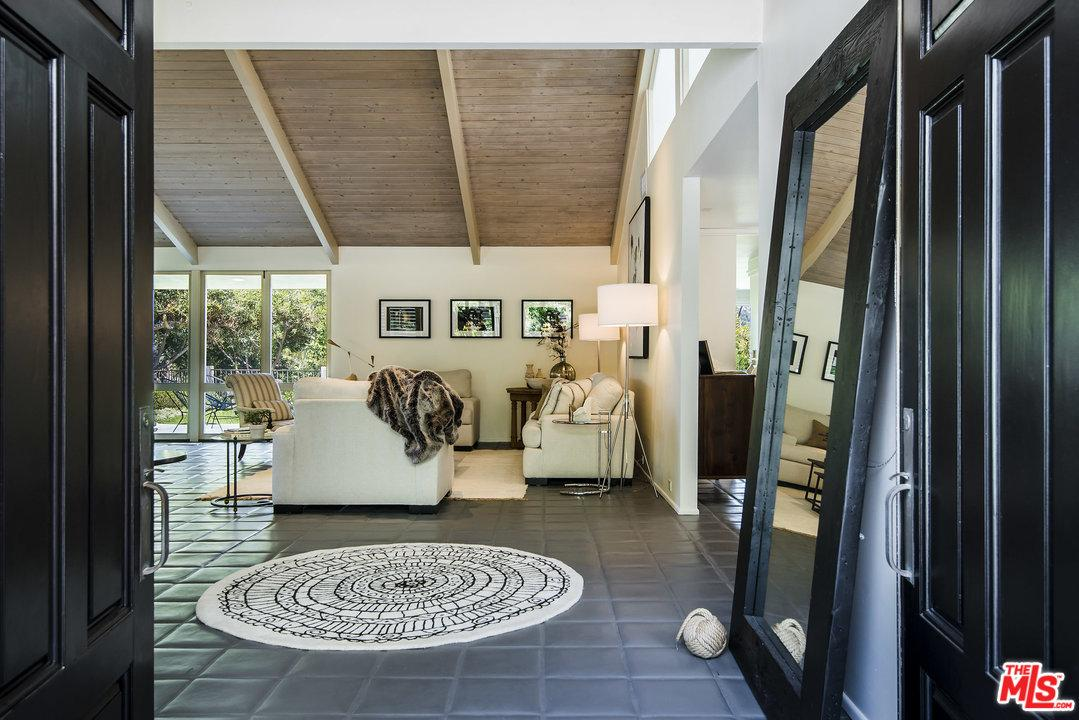 1610 LINDAMERE Place, Bel Air in Los Angeles County, CA 90077 Home for Sale