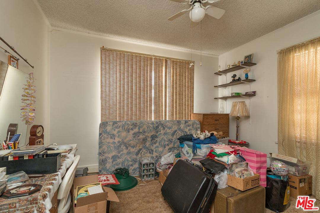 4204 LINCOLN Avenue - photo 5