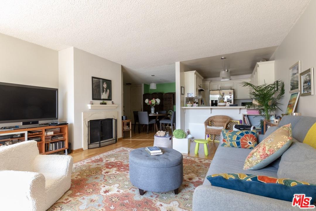 5875 Doverwood Drive 108 Culver City, CA 90230