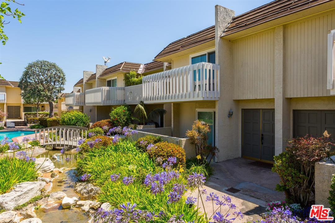 Townhome property for sale at 1200 OPAL Street 18, Redondo Beach California 90277