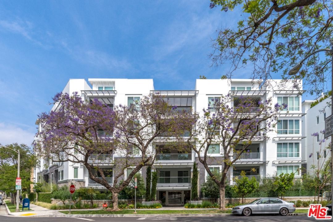 460 North PALM Drive 305, Beverly Hills, California