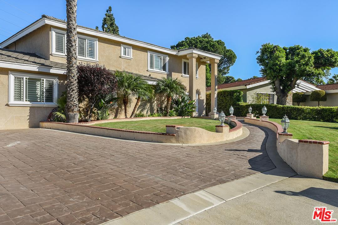 18325 Septo Street Northridge, CA 91325