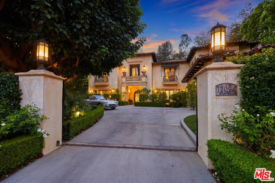 12094 SUMMIT Circle, Beverly Hills, California