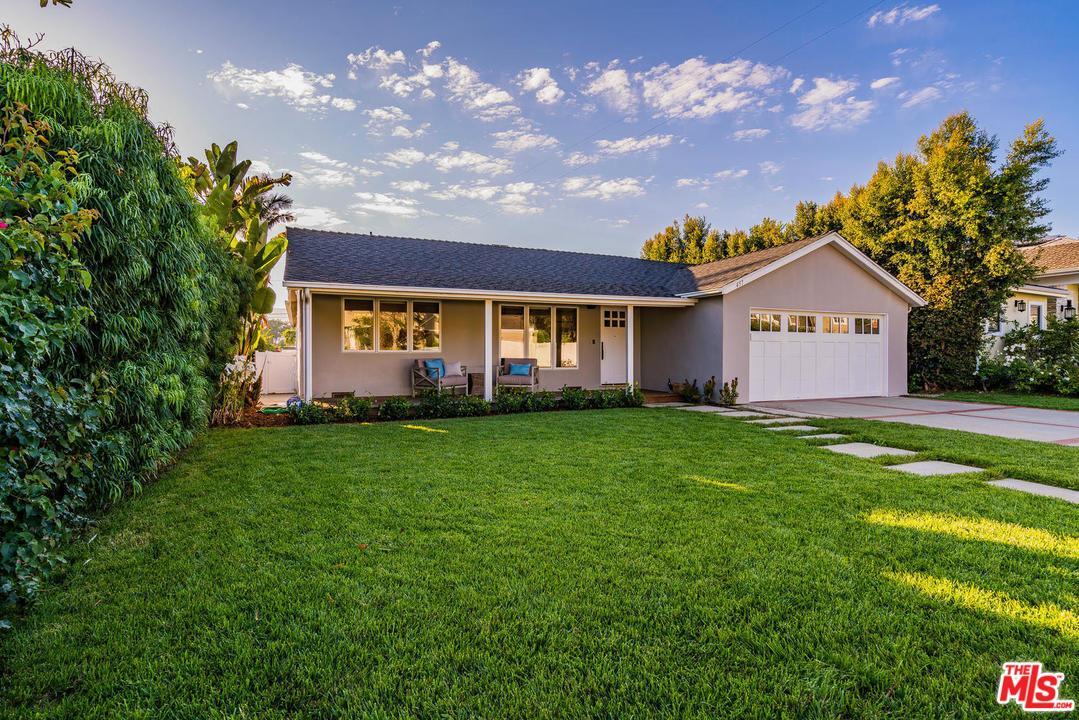 457 El Medio Avenue Pacific Palisades, CA 90272