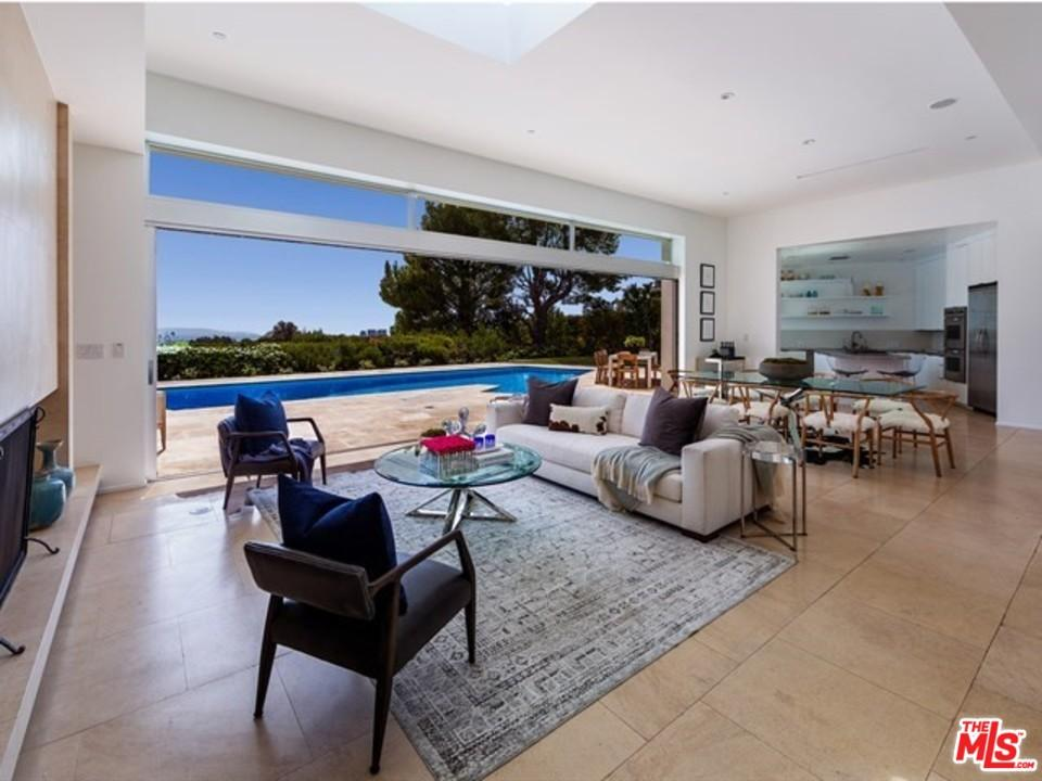 1471 CARLA Ridge, Beverly Hills, California