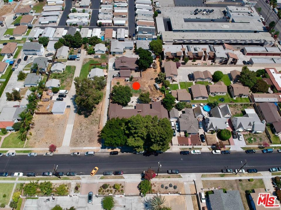 15726 Cornuta Avenue Bellflower, CA 90706