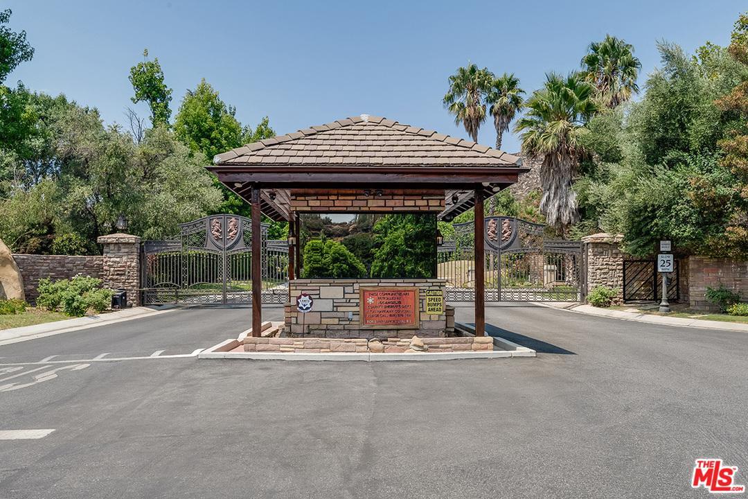 IVERSON RD Chatsworth, CA 91311