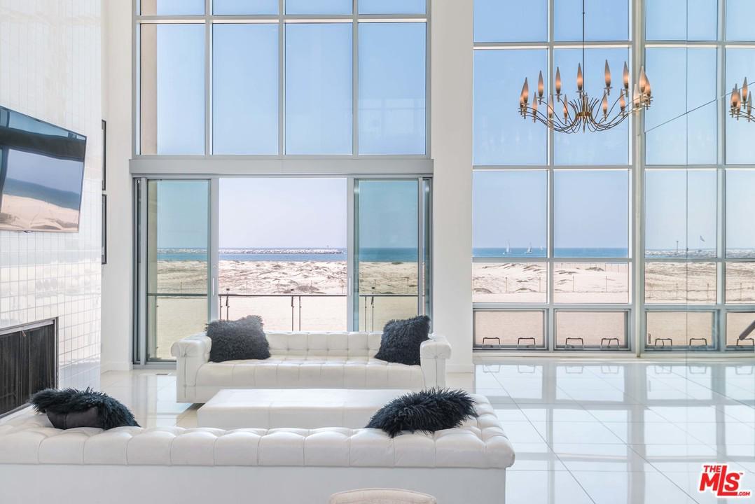 5205 Ocean Front Marina Del Rey, CA 90292