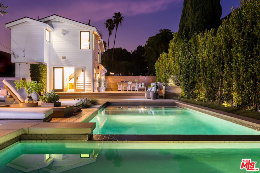 737 Raymond Avenue Santa Monica, CA 90405