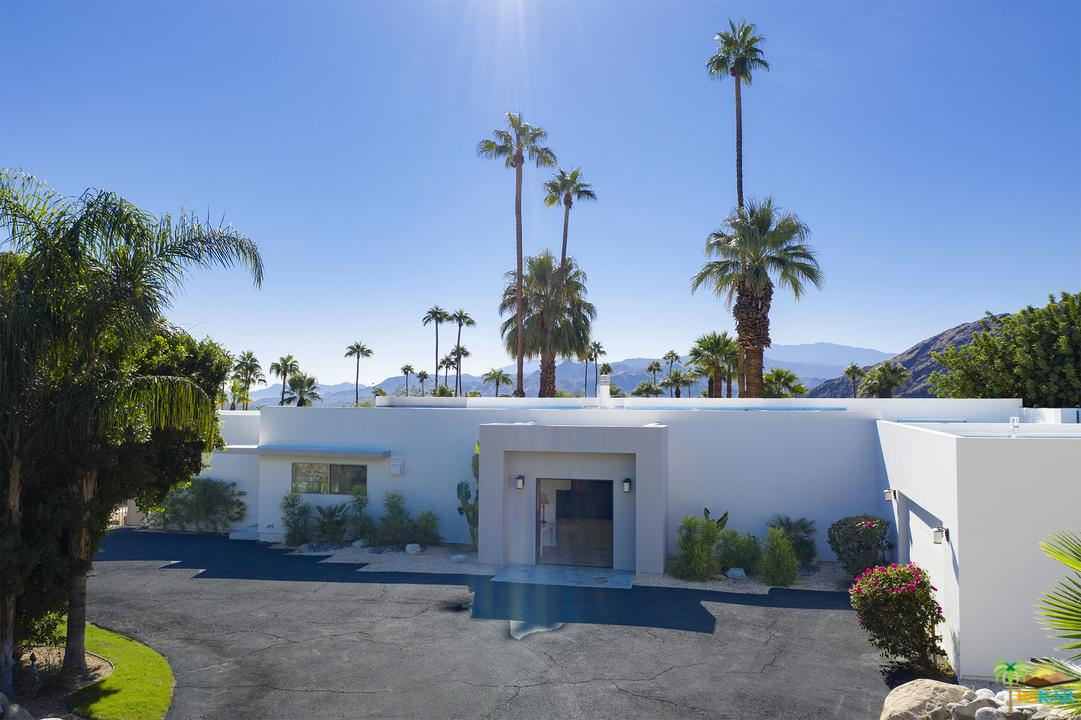 855 West Panorama Road Palm Springs, CA 92262
