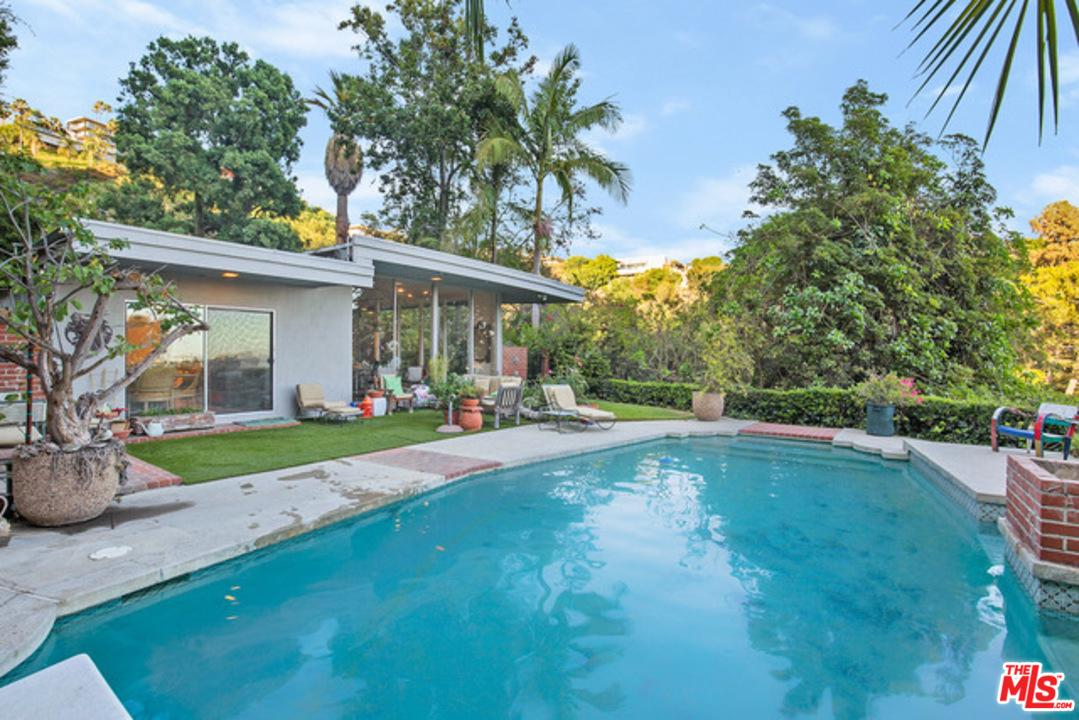 1339 North Wetherly Drive Los Angeles, CA 90069