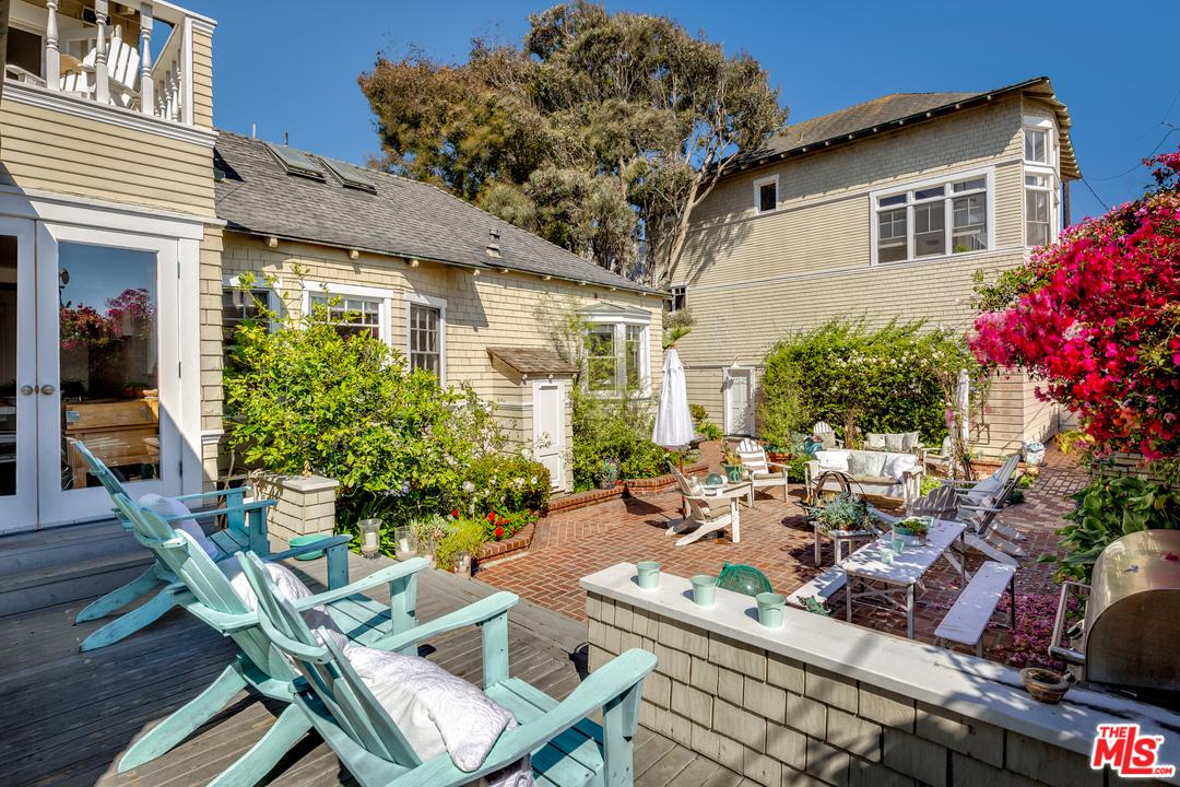 12 Rose Avenue Venice, CA 90291