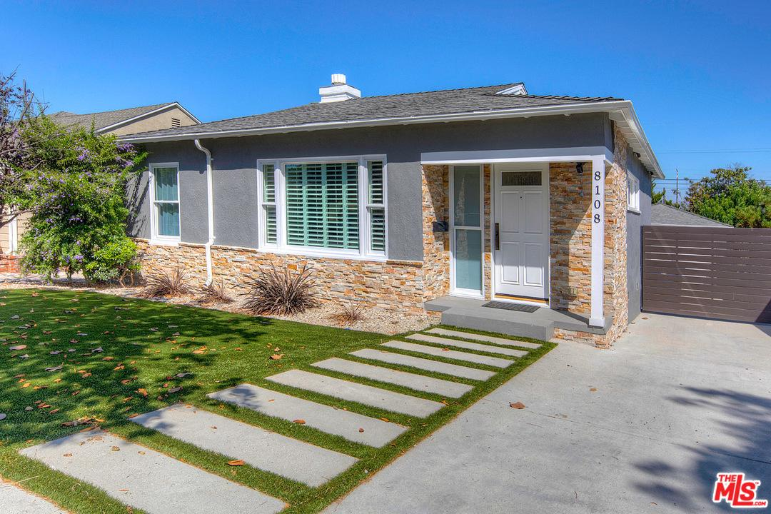 8108 Holy Cross Place Westchester, CA 90045