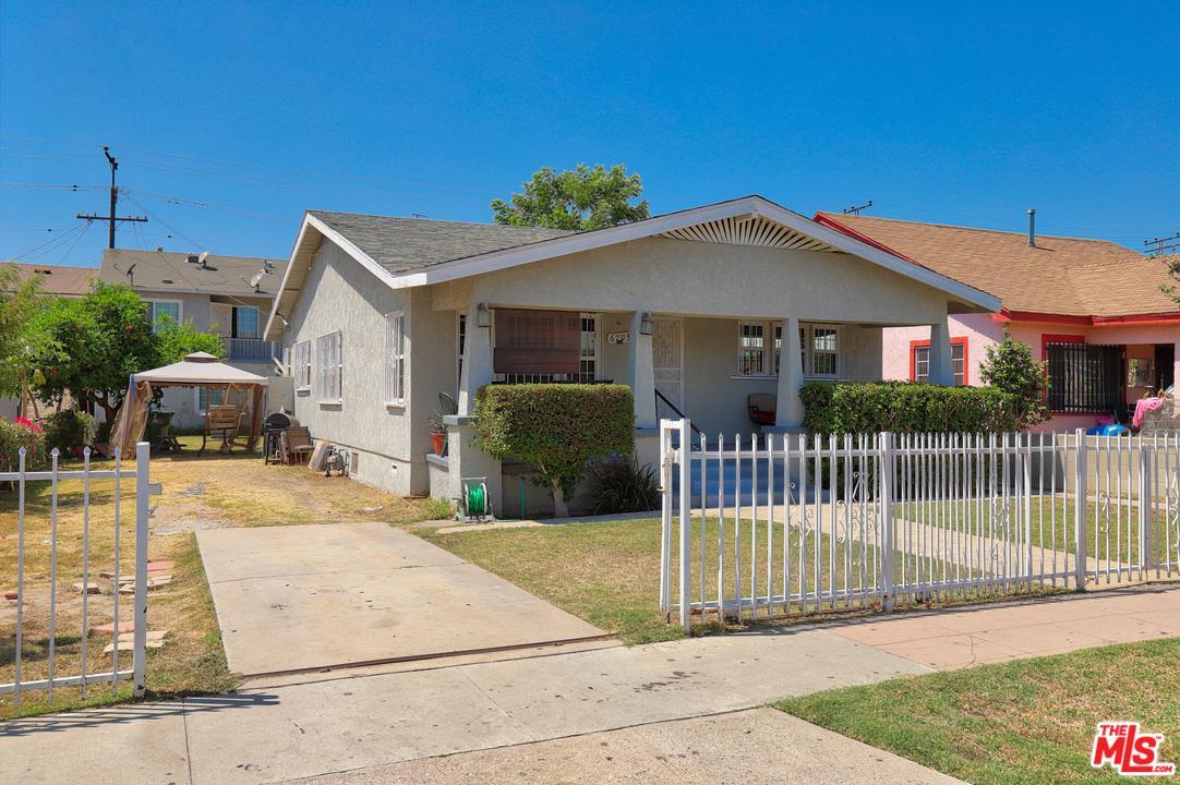 6703 Templeton Street Huntington Park, CA 90255