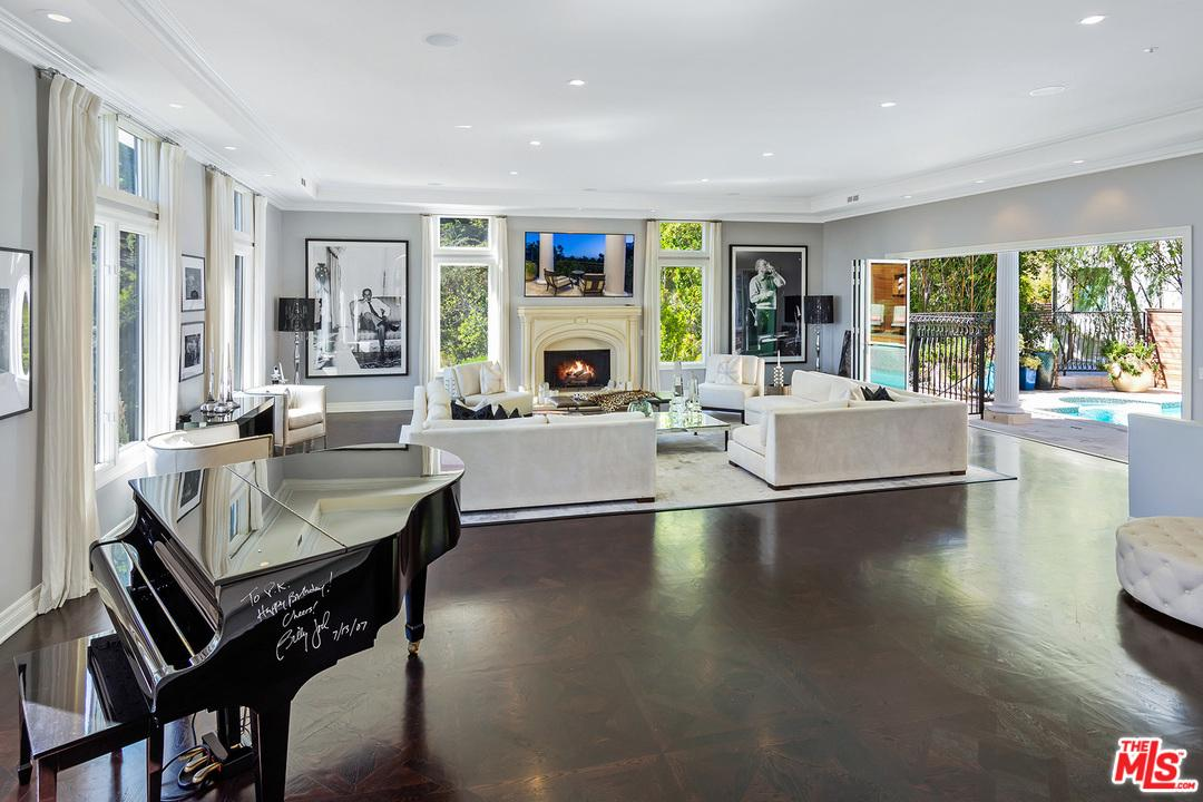 1404 DAWNRIDGE Drive, Beverly Hills, California