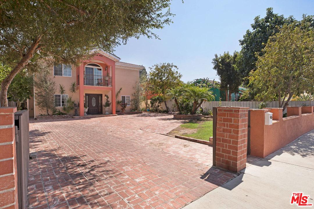Gated property for sale at 2630 CULLEN Street, Cheviot Hills California 90034