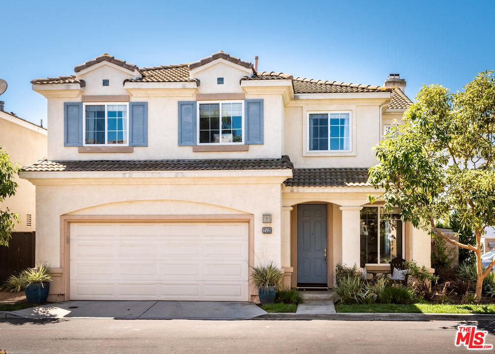 2533 SANTA ANA Avenue Costa Mesa, CA 92627